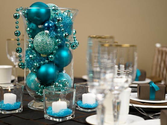 extra ornaments for easy centerpieces